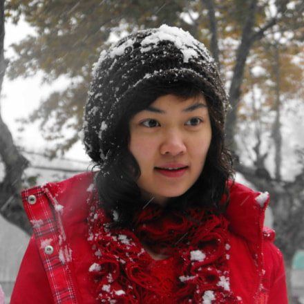 Snow girl, Fujifilm FinePix S1000fd