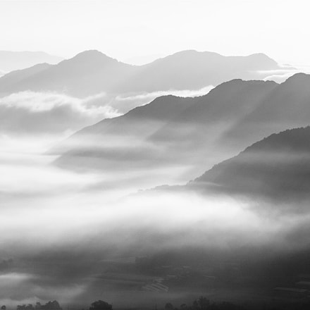 The sea of clouds., Canon EOS-1D, Canon EF 70-200mm f/2.8 L