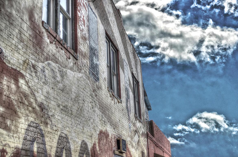 Photograph Graffiti Ruin by Jeff Heredia on 500px