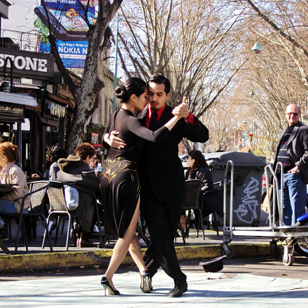 Tango at the square, Sony DSC-S930