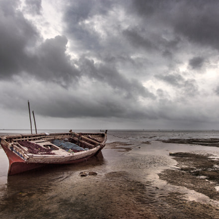 Boat on the beach, Canon EOS 60D, Canon EF-S 10-22mm f/3.5-4.5 USM