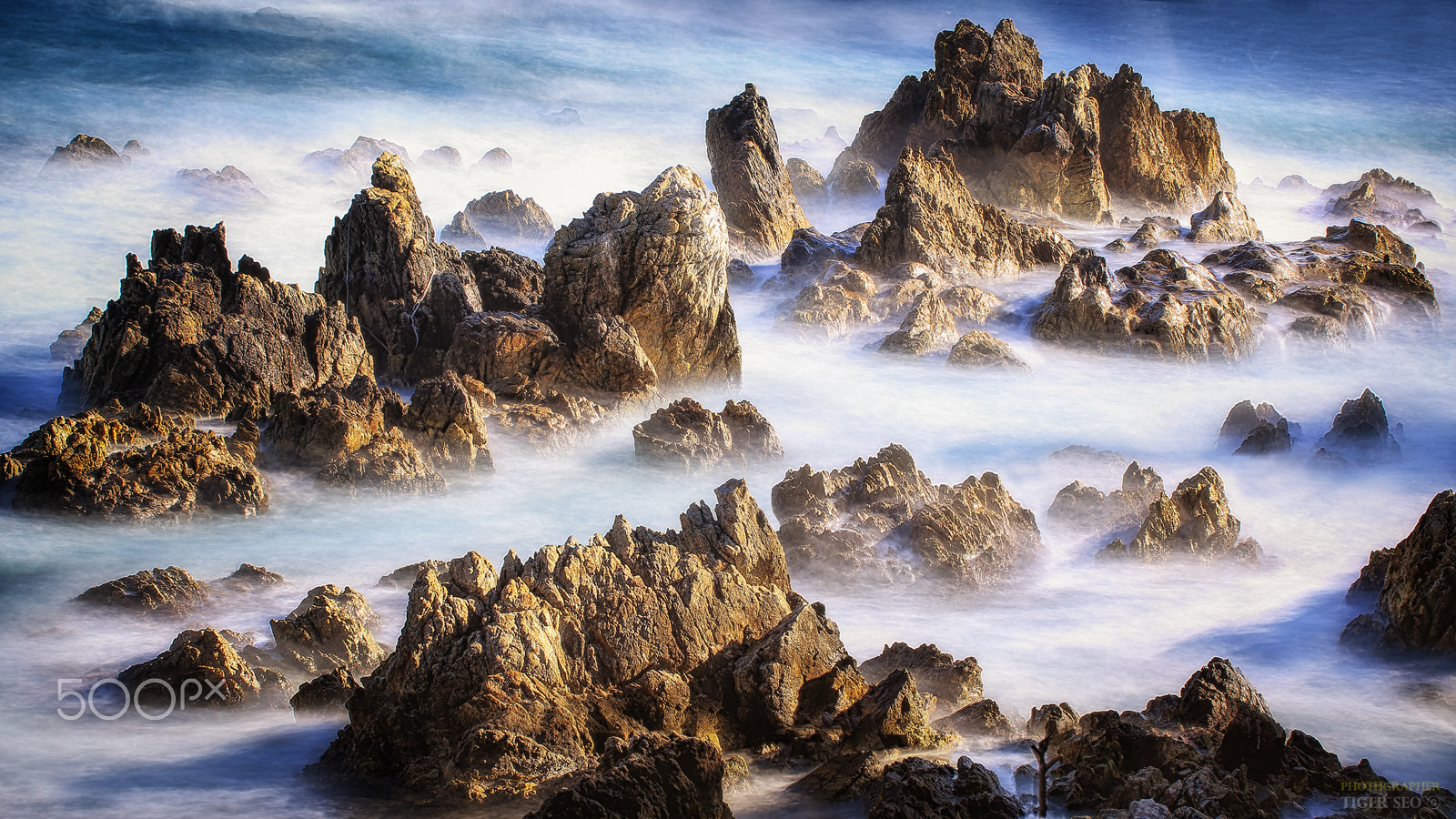 wave and rock