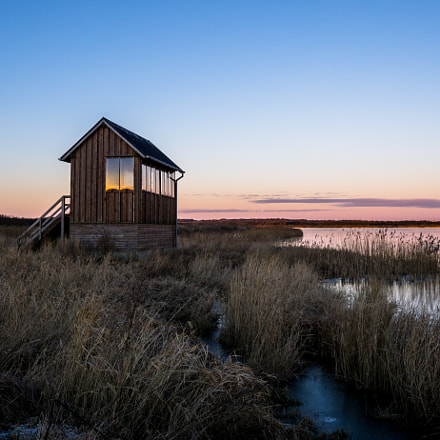 Hut At The Water, Sony ILCE-6000, Sigma 19mm F2.8 [EX] DN