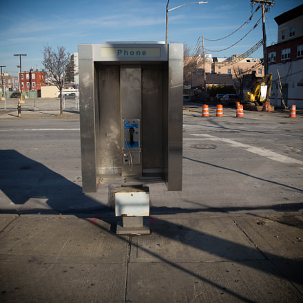 phone booth, Sony SLT-A58, Sony DT 18-250mm F3.5-6.3 (SAL18250)
