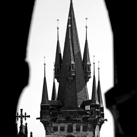 Gothic Tower, Canon EOS 400D DIGITAL, Canon EF 70-300mm f/4.5-5.6 DO IS USM