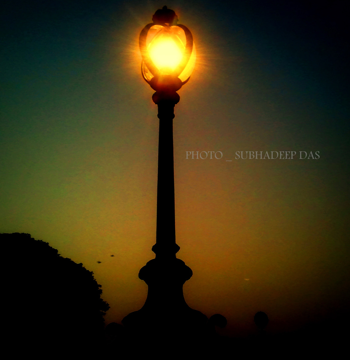Photograph light alone  mobile capture  by SUBHA   on 500px