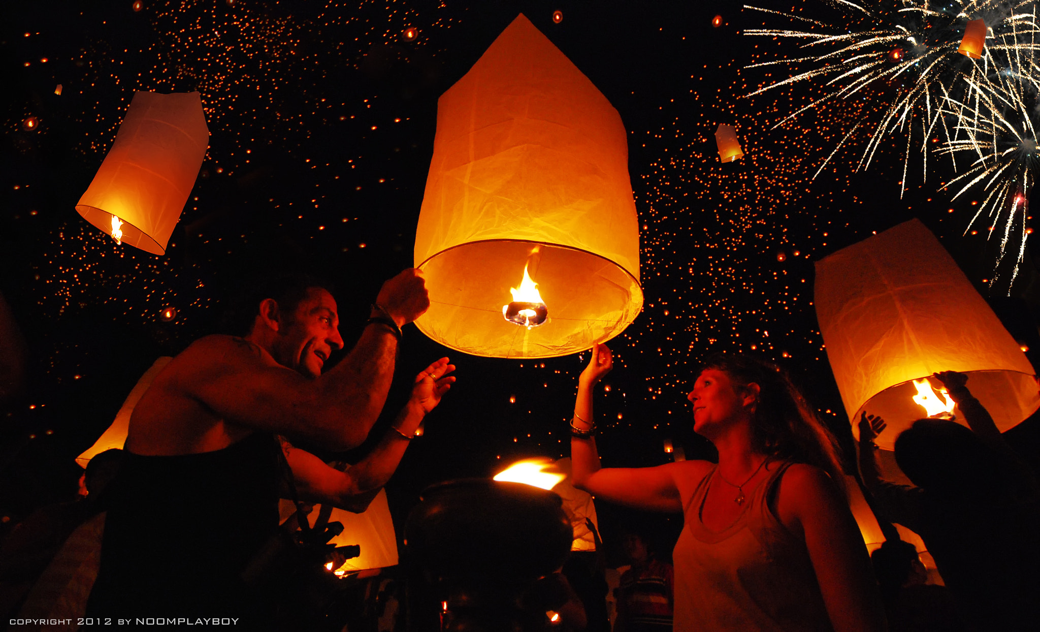Photograph Floating Lanterns : Loi Krathong Festival in Thailand by noomplayboy  on 500px