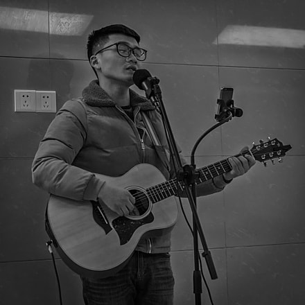Singing stories with guitar, RICOH PENTAX K-3, Sigma 17-50mm F2.8 EX DC HSM