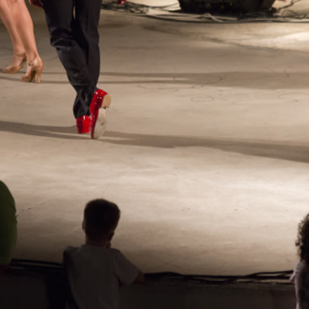 Red shoes, Canon EOS 7D, Canon EF 70-300mm f/4-5.6 IS USM