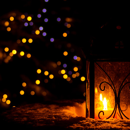 Candle flame in winter, Canon EOS 760D, Canon EF 75-300mm f/4-5.6 IS USM