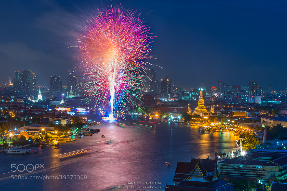 Photograph Firework, Choaphraya river, Bagkok, Thailand by Thanapol Marattana on 500px