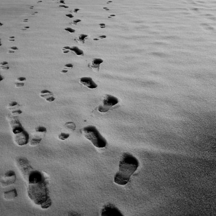 Footprints on the snow, Canon EOS M2, Canon EF-M 22mm f/2 STM