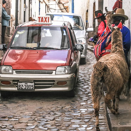 Rush hour in Cusco, Canon EOS 30D, Canon EF 28-80mm f/3.5-5.6 USM