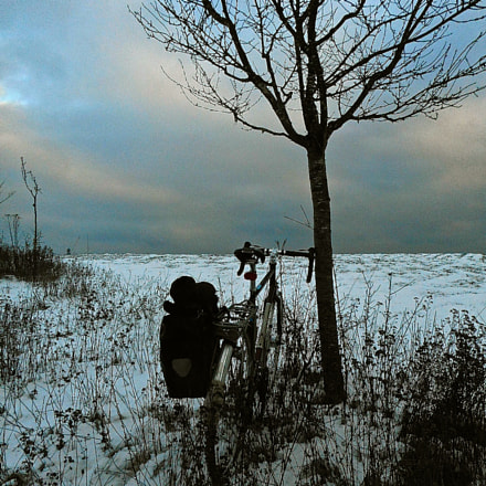 Lonely winter cycling at, Nikon COOLPIX S3700