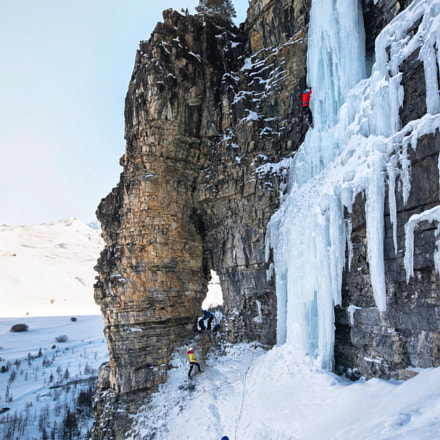 Iceclimbing in Cervieres, Canon EOS-1D X MARK II, Sigma 20mm f/1.4 DG HSM | A