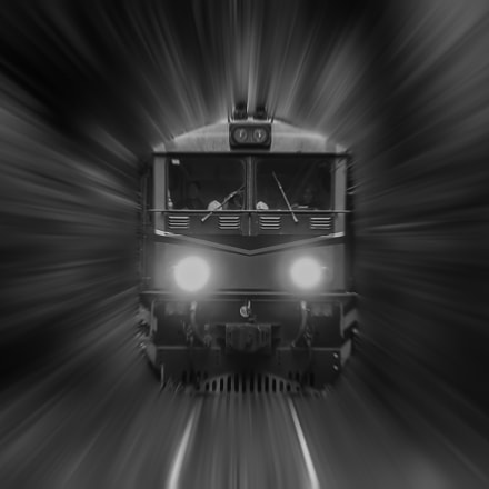 High-speed rail.Focus--Subject is blurry, Canon EOS 7D, Canon EF 70-300mm f/4.5-5.6 DO IS USM