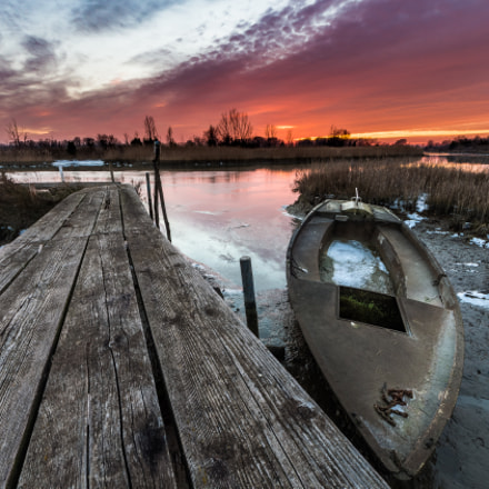 Pier and boat, Canon EOS 700D, Sigma 8-16mm f/4.5-5.6 DC HSM