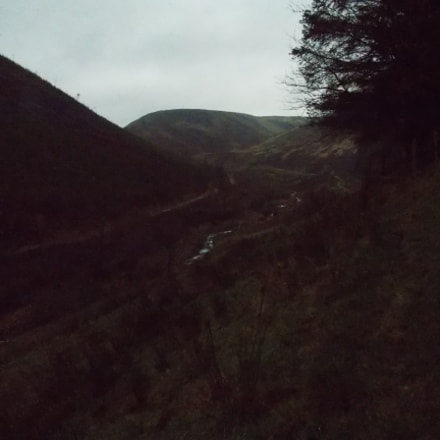 Hills and valleys of, Nikon COOLPIX L320