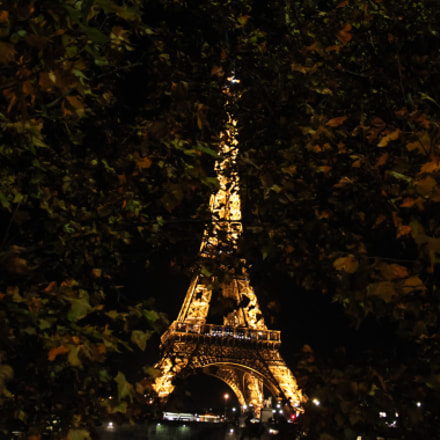 Eiffel Tower at night, Canon EOS 500D, Canon EF-S 15-85mm f/3.5-5.6 IS USM