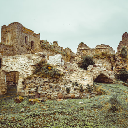 Ruins, Canon EOS 600D, Sigma 18-200mm f/3.5-6.3 DC OS HSM [II]