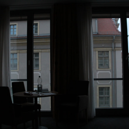 A Room in Dreasden, Canon EOS KISS X7I, Canon EF-S 18-55mm f/3.5-5.6 IS STM