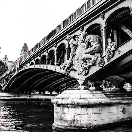 Bridge over the Seine.Paris, Canon POWERSHOT A2100 IS