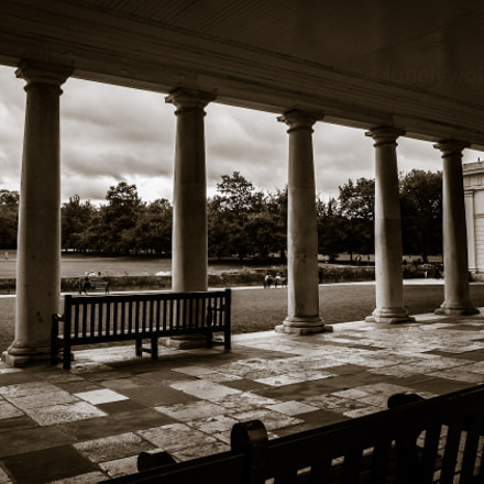 colonnade, Canon EOS KISS X4, Canon EF-S 15-85mm f/3.5-5.6 IS USM