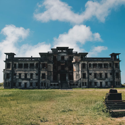 Abandoned mansion on Bokor, Canon EOS KISS X5, Tamron SP AF 17-50mm f/2.8 XR Di II VC LD Aspherical [IF]