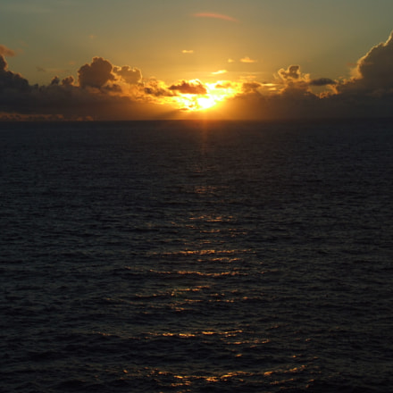 Sunrise in Saipan, Fujifilm FinePix S9500