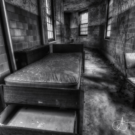 Somber Slumber (b&w), Canon EOS 5D MARK III, Canon EF 17-40mm f/4L