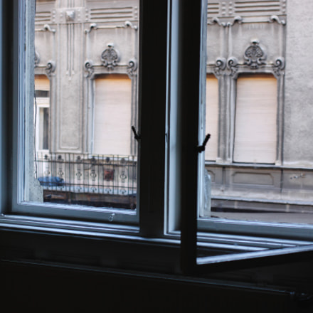 Window view in Budapest, Canon EOS 50D, Canon EF 40mm f/2.8 STM