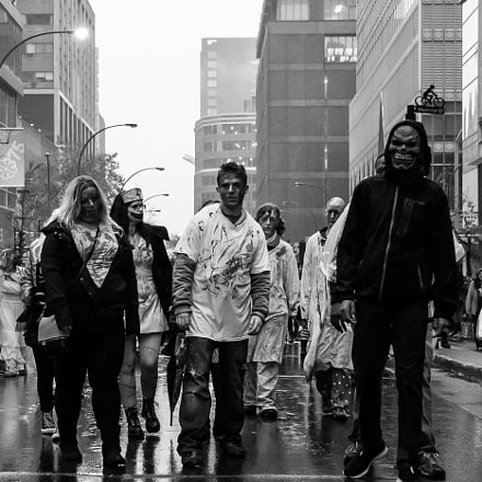 Zombie Walk, Canon EOS 7D, Sigma 18-250mm f/3.5-6.3 DC OS HSM