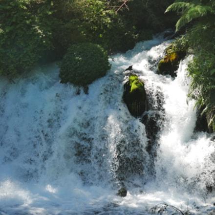 Ojos del caburga waterfall, Pucón