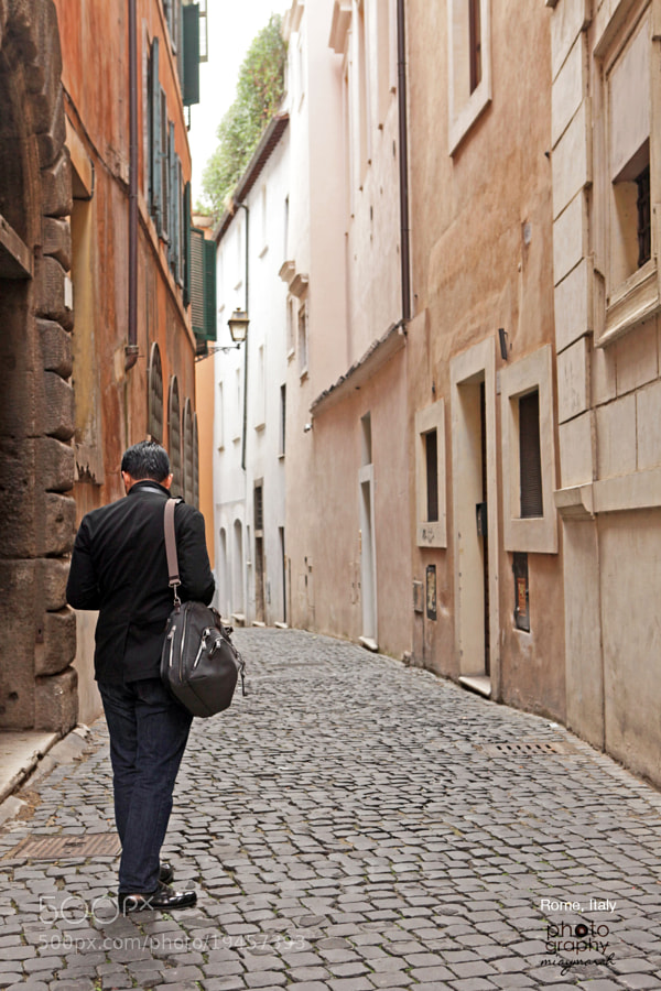 Walking the streets of Rome by miaymarch _amatteroftaste (miaymarch)) on 500px.com