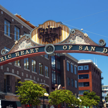 welcome to san diego, Nikon D70S, Tamron AF 28-300mm f/3.5-6.3 XR Di VC LD Aspherical (IF) Macro (A20)