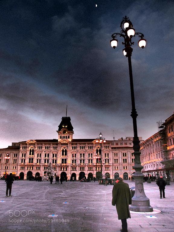 Photograph Passeggiare a Trieste by Elisabetta Vitellozzi on 500px