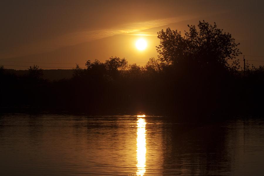 sunset over wetland, автор — Nick Patrin на 500px.com