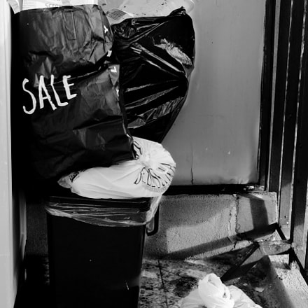 Trash in Sale, Canon EOS 750D, Canon EF-S 17-55mm f/2.8 IS USM