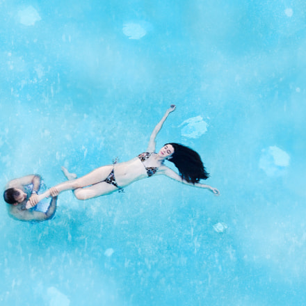 Dancing in the pool, Canon EOS 6D, Sigma 70-200mm f/2.8 EX DG APO OS HSM