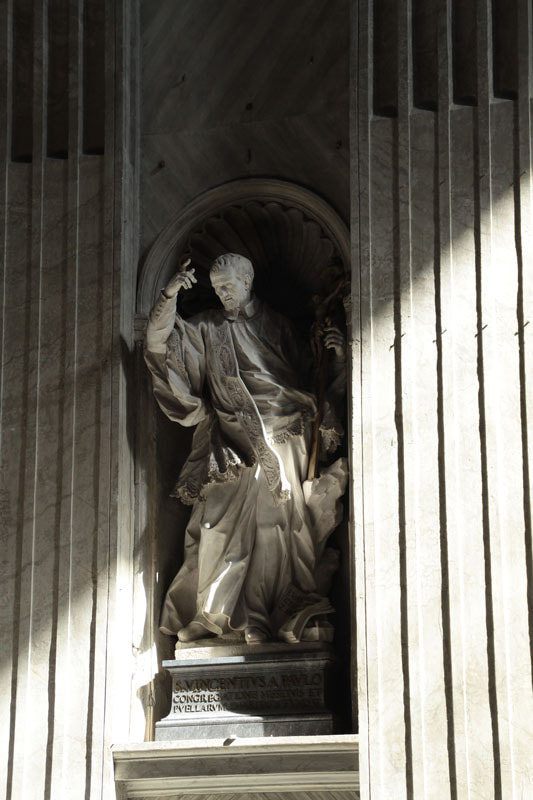 Photograph Statue of St Vincentius A Paolo by Jean Baptiste Morin on 500px