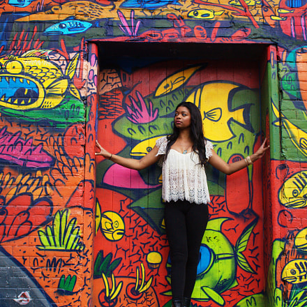 Megan in graffiti alley, Canon EOS 350D