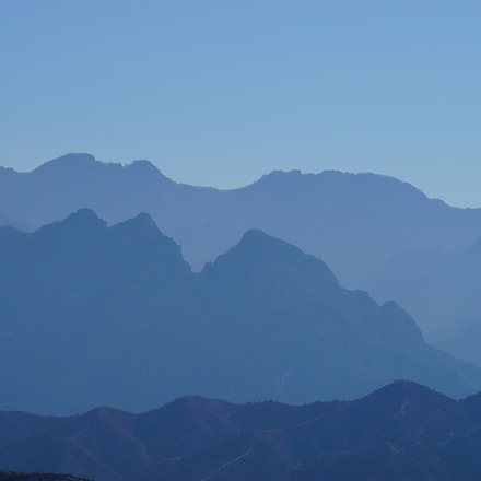 The mountain ranges rise, Sony ILCE-7, Sony FE 70-200mm F4 G OSS
