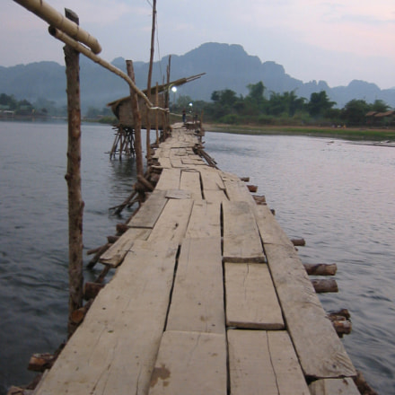 bamboo bridge, Canon DIGITAL IXUS V2