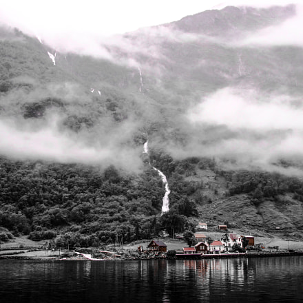 Village in Norway.Fjord, Canon POWERSHOT A2100 IS