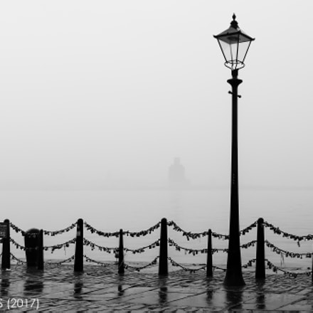 No light under the wet fog