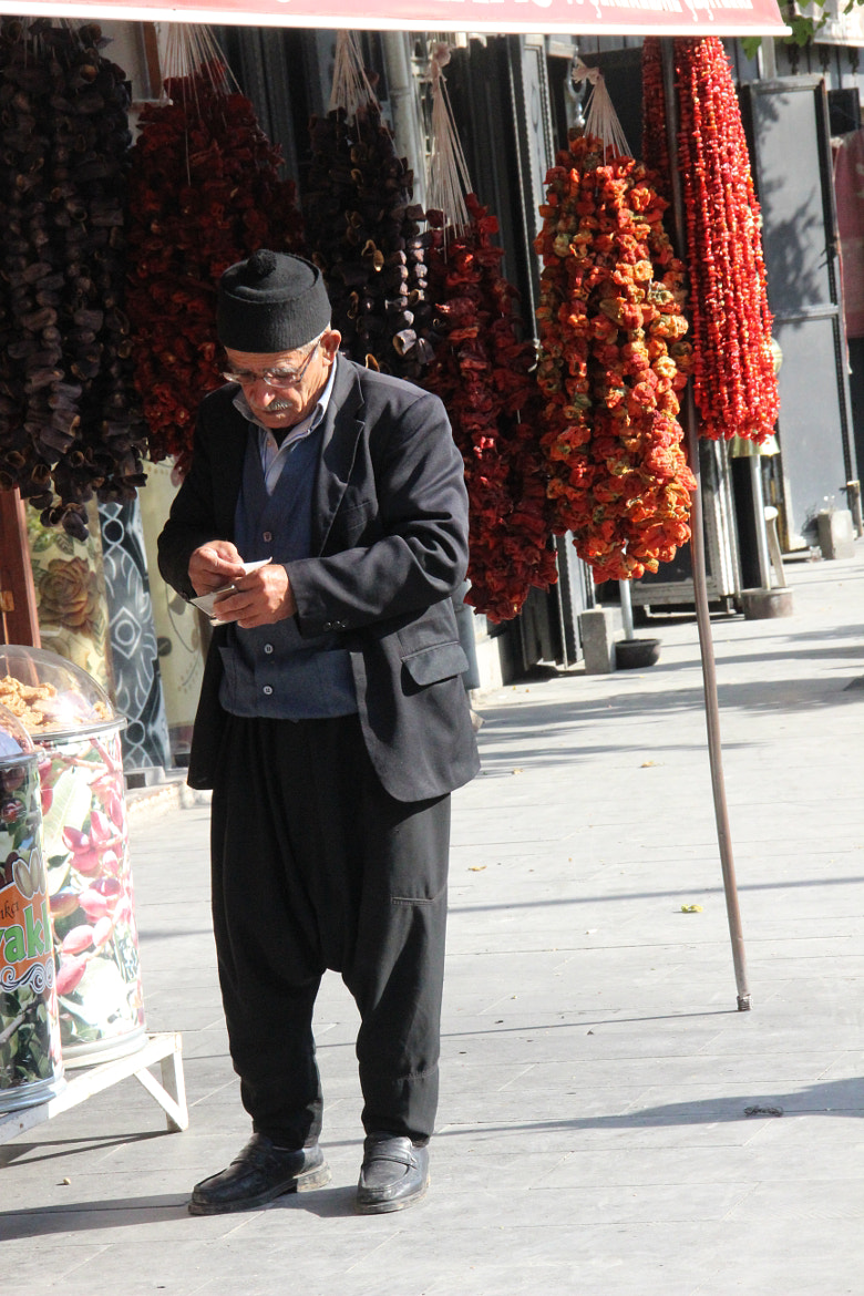 Photograph Old man with dry peppers, Gaziantep - Turkiye by Mehpare Firat on 500px