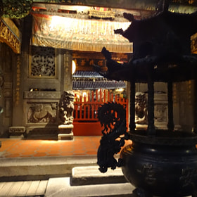 Huashi Street Night Market & Lungshan Temple