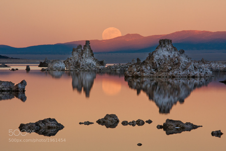 Photograph Mono Lake Moonrise by Jeff Sullivan on 500px