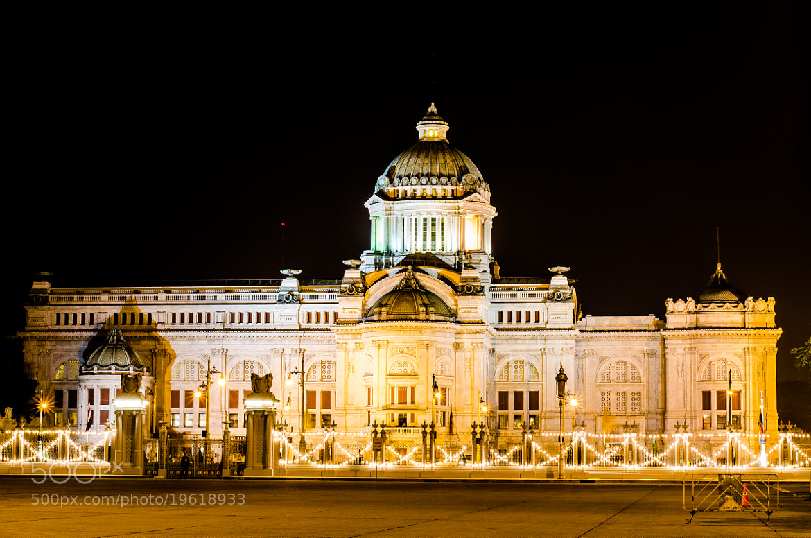 Photograph Ananta Samakhom Throne Hall, Bangkok, Thailand by Heart Disk on 500px