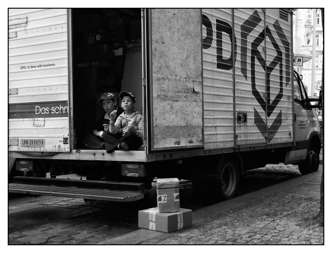 Photograph DPD (the 'fast' parcel) ;) by karl aster on 500px